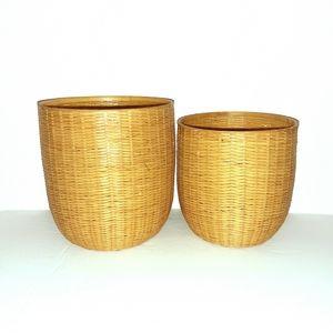 2/$20 Set of 2 Vintage Woven Wicker Nesting Basket